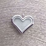 floating-locket-heart-sute-jewelry