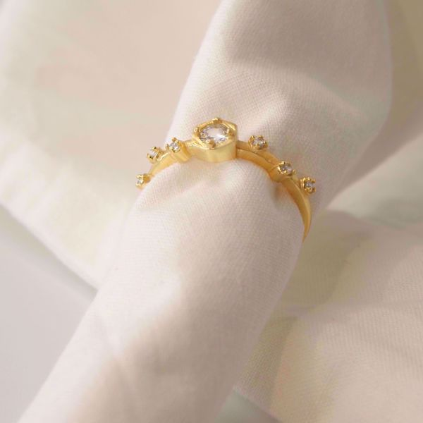 Imagem de Branch golden ring