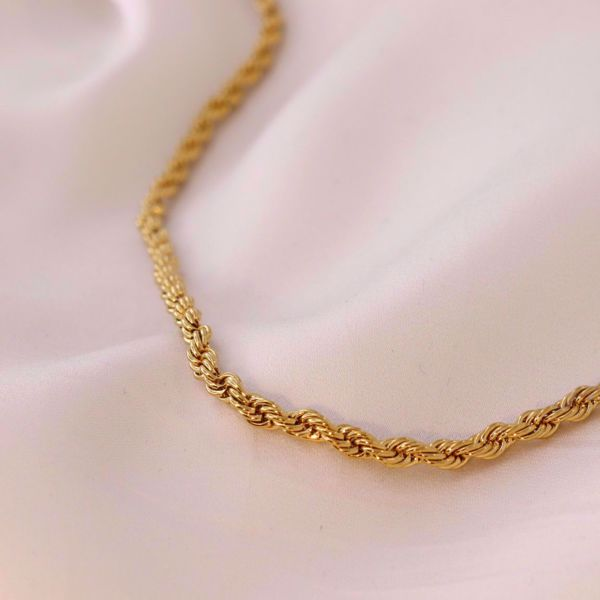 curled-plain-chain-golden-sute-jewelry