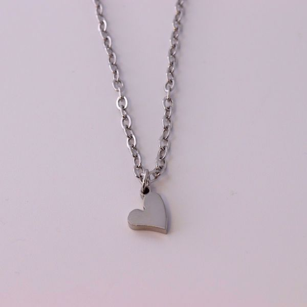"""Picture of """"Best Mom""""  necklace 