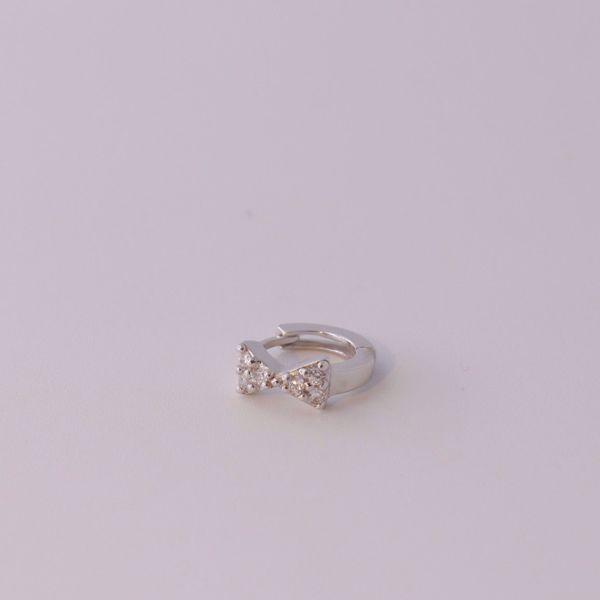 Imagem de Lace silver huggie earring