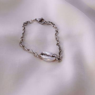 Imagem de conch bracelet | silver