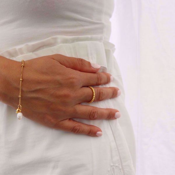 Picture of Beads pearl bracelet | golden