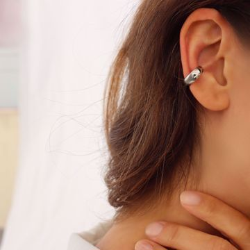Picture of Bold ear cuff | silver