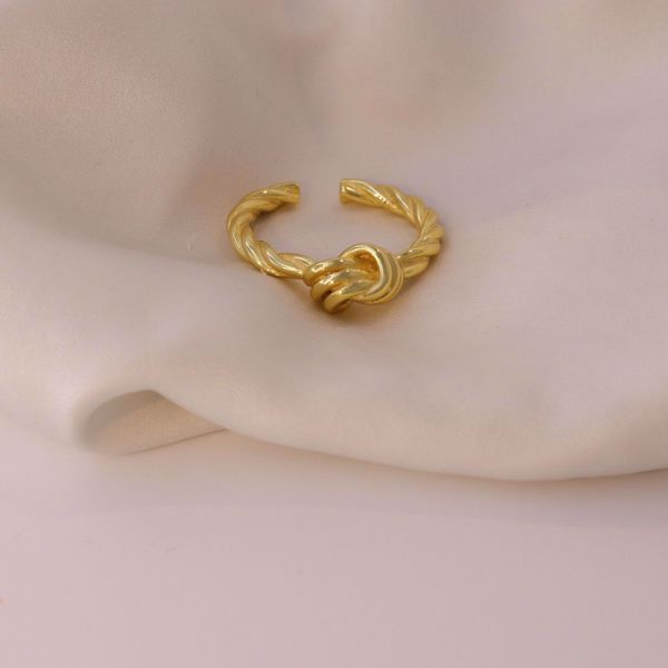 Picture of Strength Ring | Golden