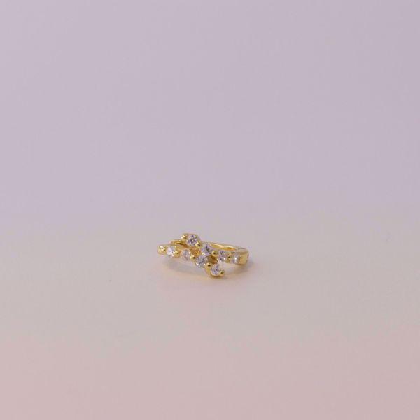 Imagem de shine golden huggie earring
