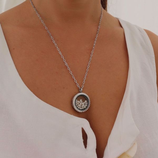 Picture of Pearl & shine locket necklace | silver