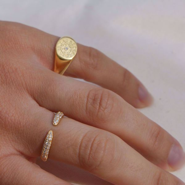 Picture of Star signet ring