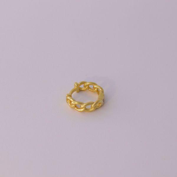 Imagem de Classy chain huggie earring | golden