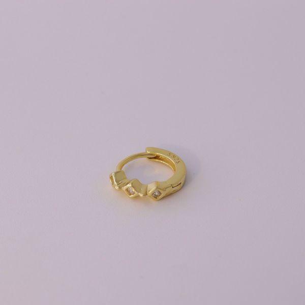 Picture of Sarah huggie earring | golden