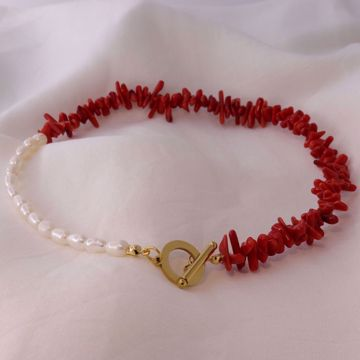 Picture of Red coral and pearls necklace | golden