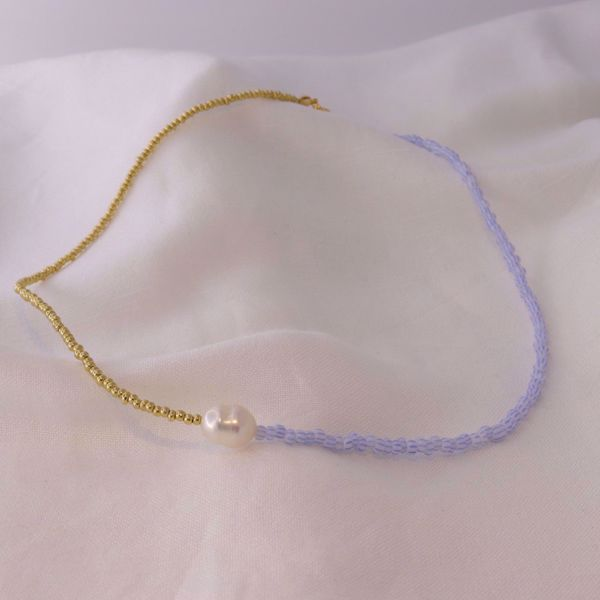 Picture of Blue and pearl necklace | golden