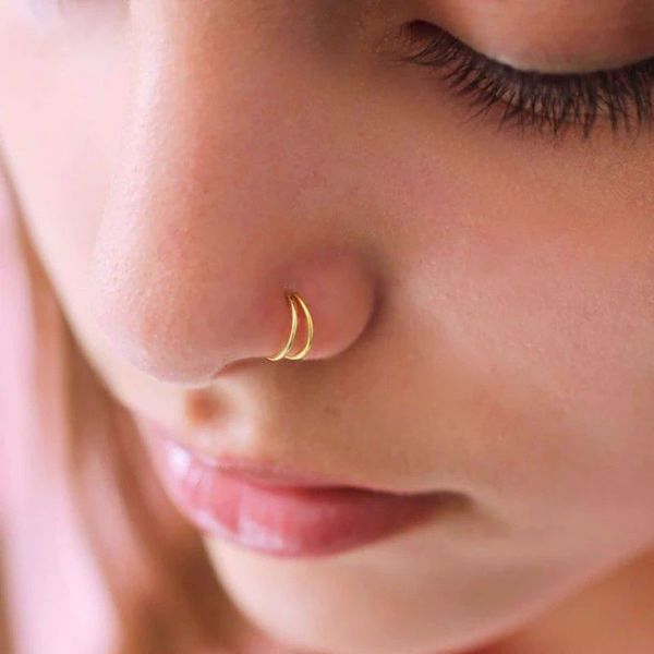 Imagem de Nose double hoop piercing | golden