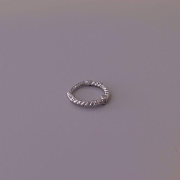Imagem de Mini twisted huggie earring   silver