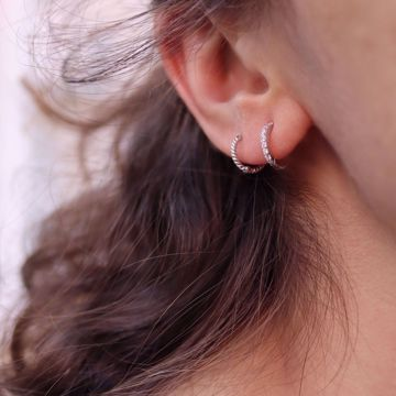Picture of Olivia huggie earring | silver